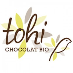 BIO Donkere chocolade 74% cacao met abrikozen en amandelen 70g